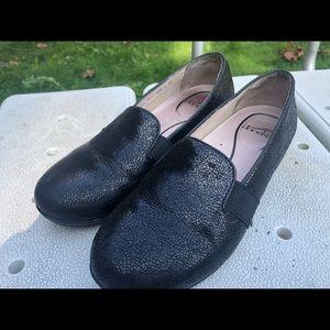 Dansko Women's Black Patent Slip On Sandals Size 9